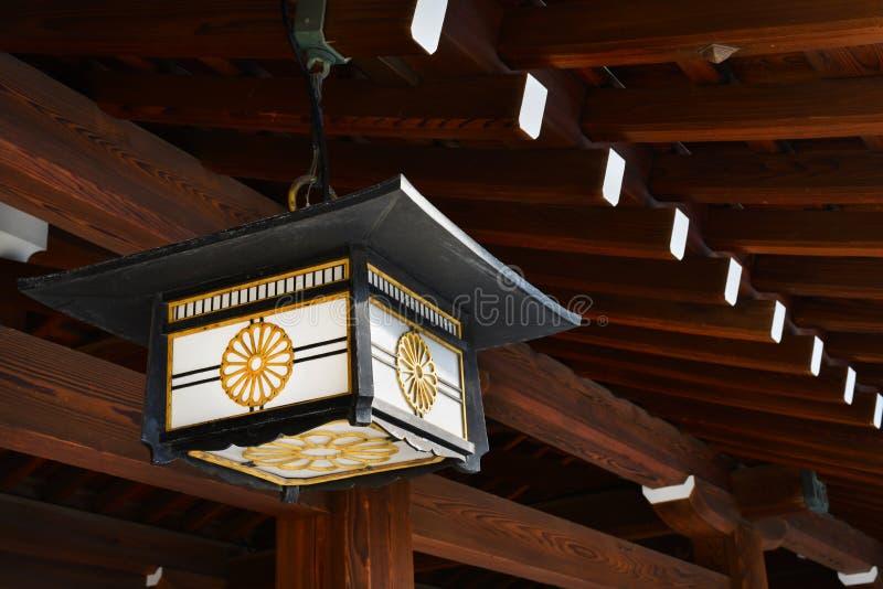 Lanter giapponese con il crisantemo fotografia stock libera da diritti