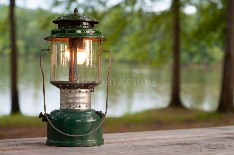 Lanterna de acampamento do propano fotos de stock royalty free