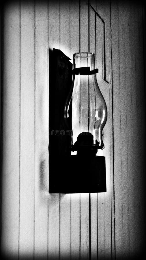 Lanterna de querosene retro das épocas mais adiantadas foto de stock royalty free