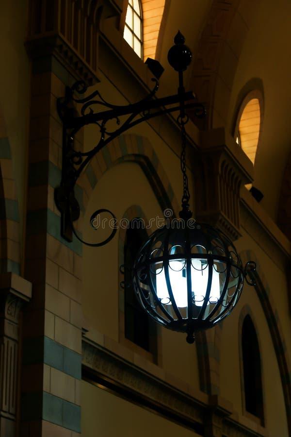 Lanterna dentro il museo di Sharjah immagine stock