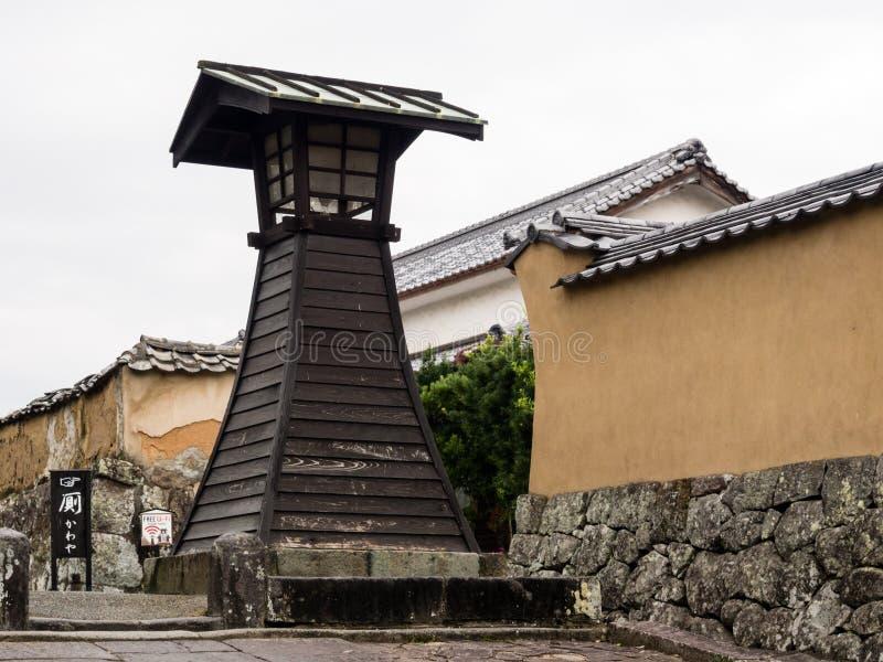 Lanterna di legno della torre nella città storica del castello di Kitsuki, prefettura di Oita fotografie stock