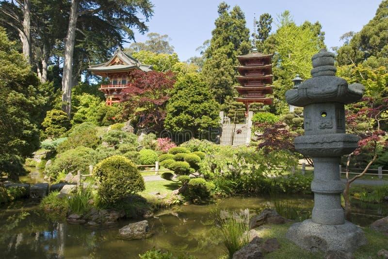 Lanterna di pace e del pagoda immagini stock libere da diritti