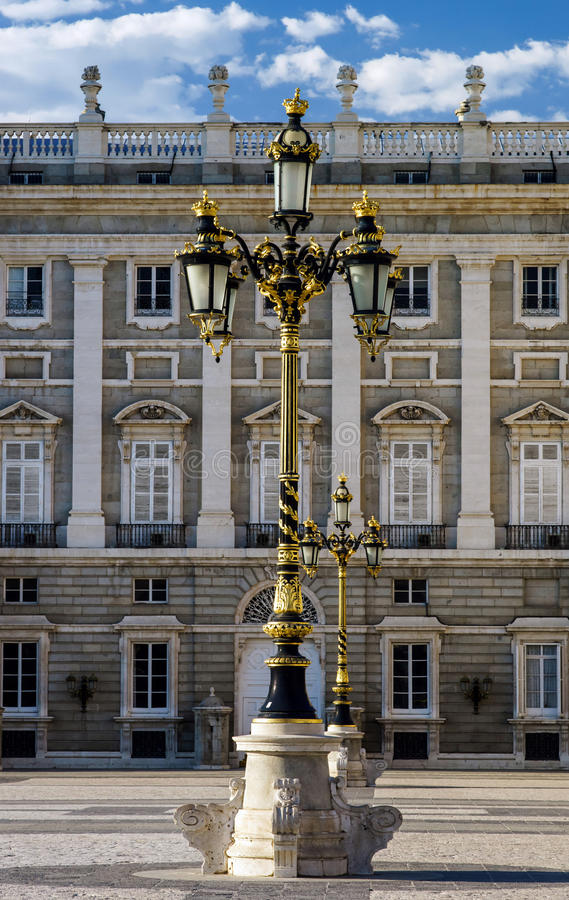 Lanterna elegante della città a Madrid fotografie stock libere da diritti