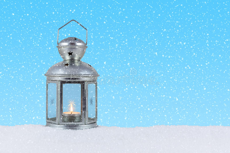 Lanterna na neve foto de stock