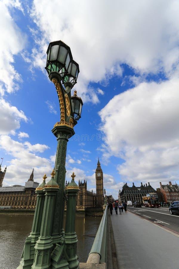 Lanterna na ponte de Westminster fotos de stock