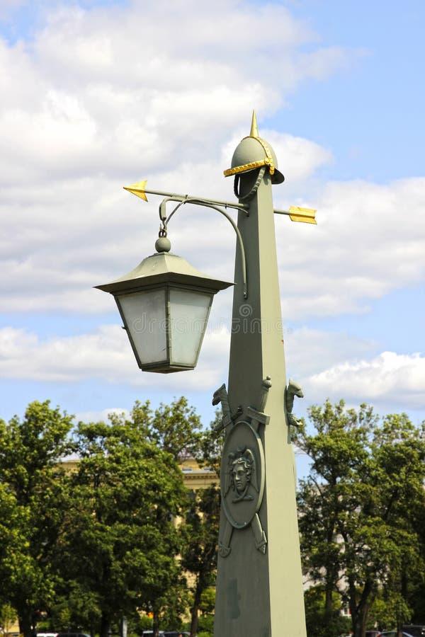 Lanterna velha em St Petersburg fotos de stock royalty free
