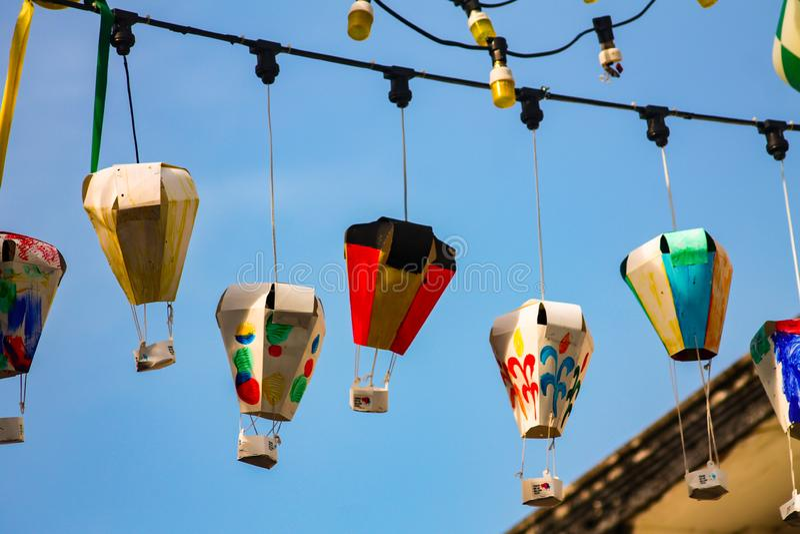 Lanternas de papel de rua fotos de stock royalty free