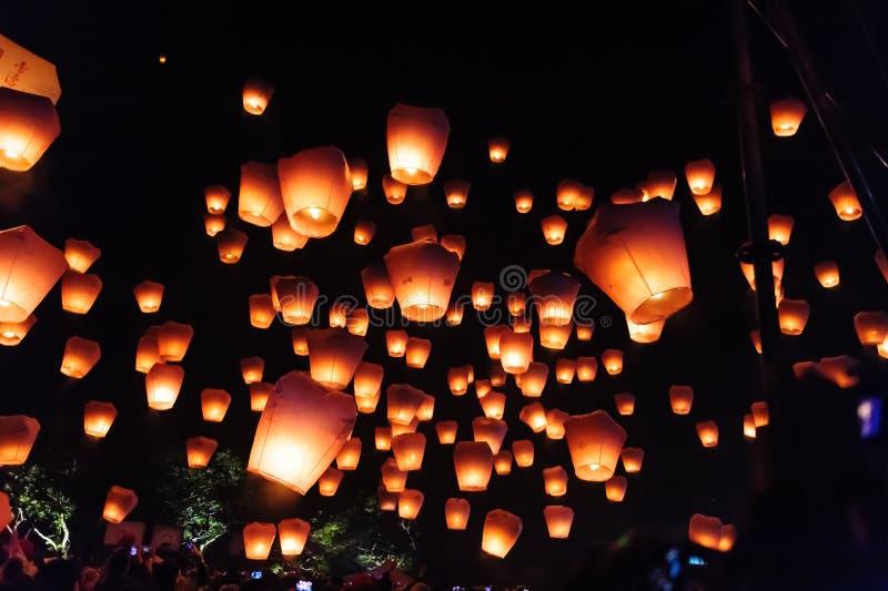 Lanternas do céu no festival de lanterna fotos de stock royalty free