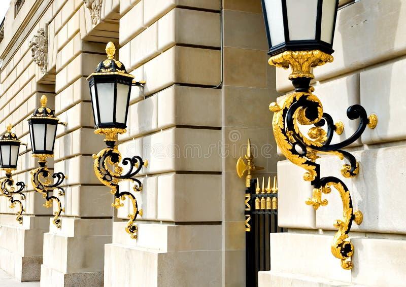 Lanternas douradas foto de stock royalty free
