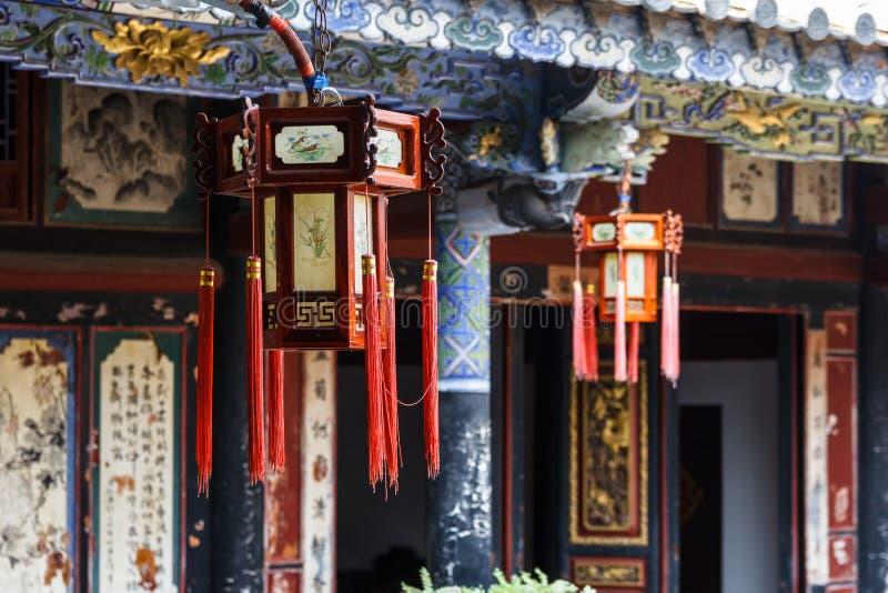 Lanternas orientais tradicionais bonitas do estilo em China imagens de stock royalty free