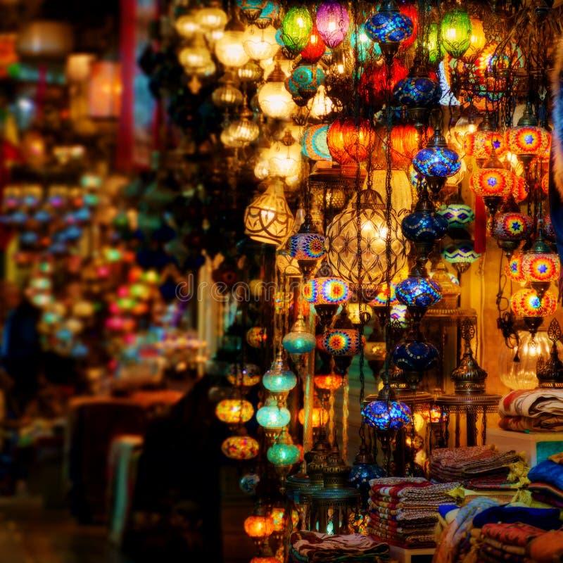 Lanternas turcas no bazar grande imagens de stock royalty free