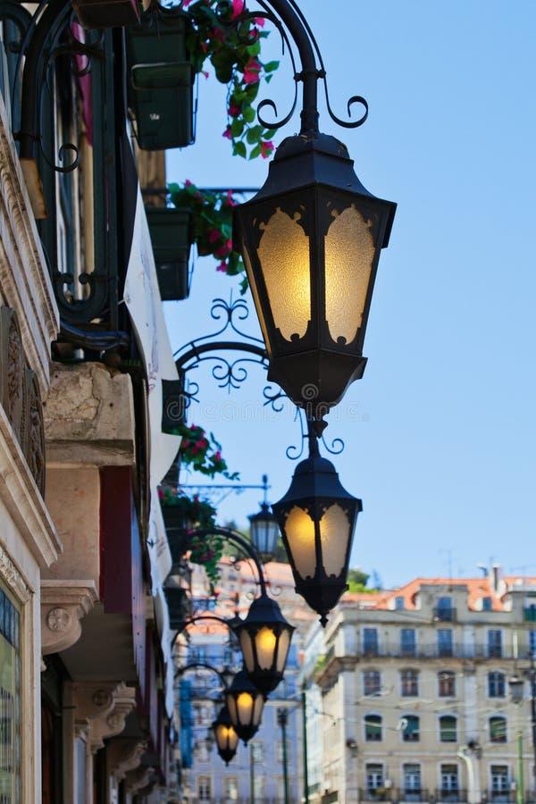 Lanterne antiche a Lisbona fotografia stock