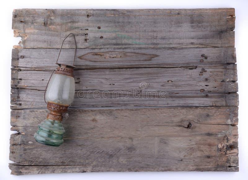 Lanterne antique sur le fond en bois image libre de droits