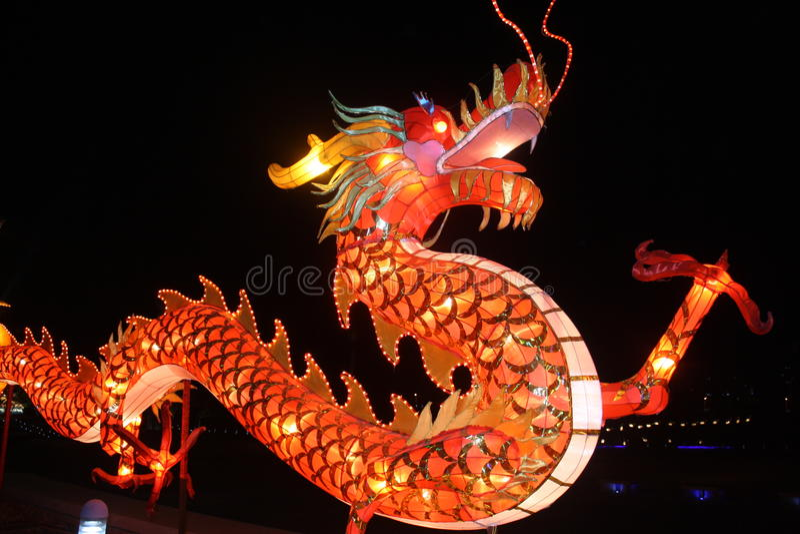 Lanterne chinoise de dragon images stock