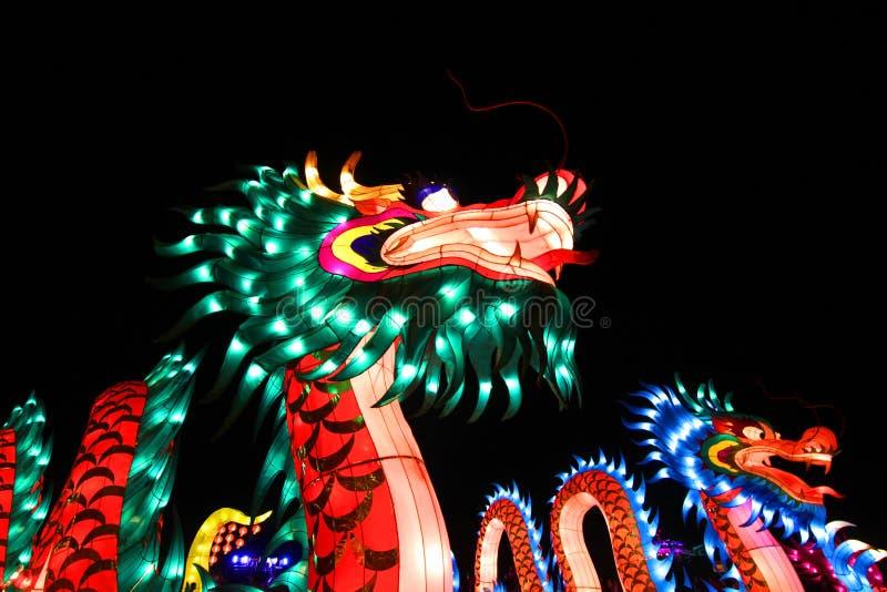 Lanterne chinoise lumineuse de dragon photographie stock libre de droits