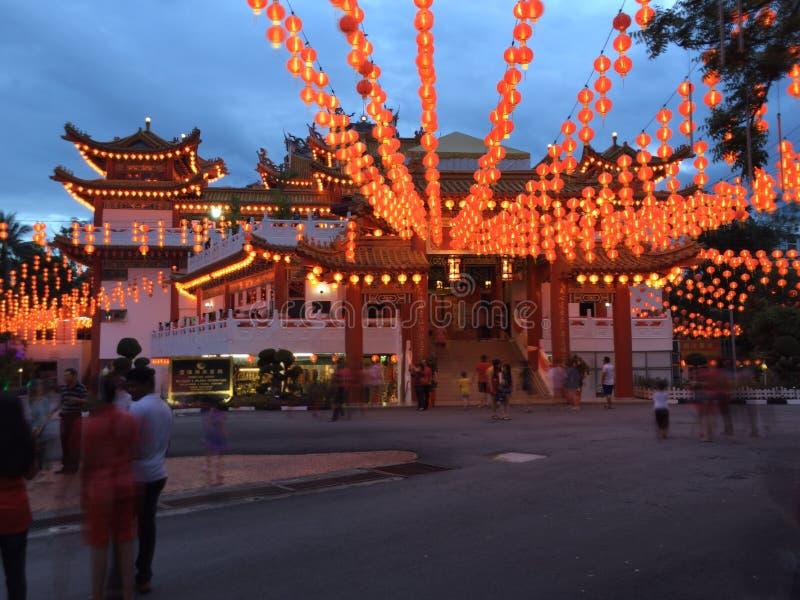 Lanterne cinesi del tempio in Malesia durante il nuovo anno cinese fotografia stock