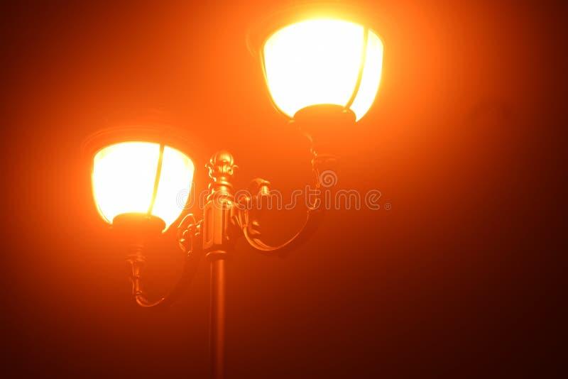 Lanterne dans la brume photos libres de droits