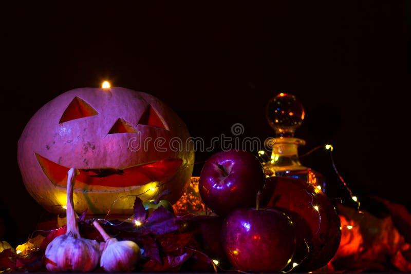 Lanterne de potiron pour Halloween, Jack-lanterne, lampe de nuit pour les vacances, bougies, chandeliers, décorations et lumières image libre de droits