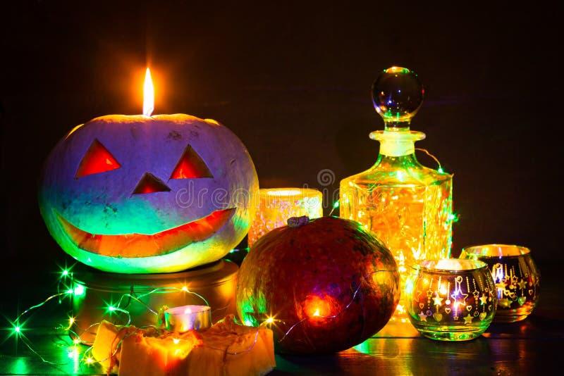 Lanterne de potiron pour Halloween, Jack-lanterne, lampe de nuit pour les vacances, bougies, chandeliers, décorations et lumières photos libres de droits