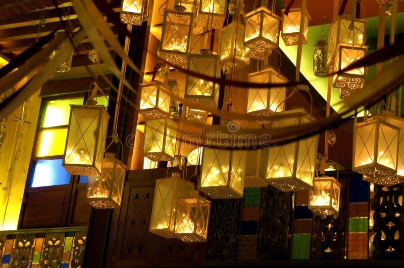 Lanterne dorate fotografie stock