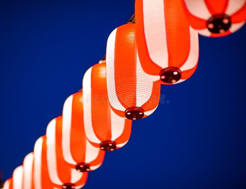Lanterne rosse durante il festival cinese del nuovo anno, fuoco selettivo immagini stock