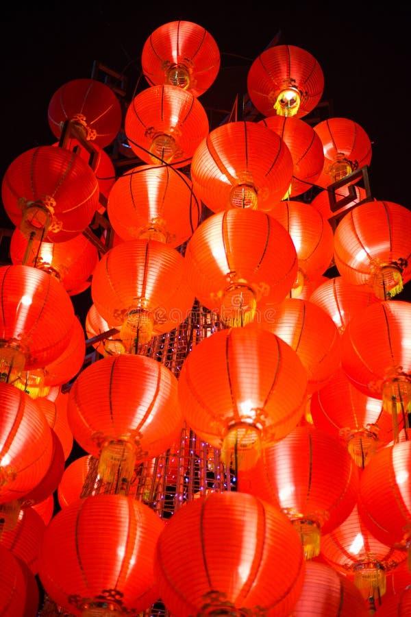 Lanterne rouge accrochante images libres de droits