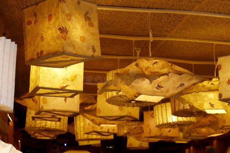 Lanternes d?coratives dans la ville historique de Lijiang, Yunnan, Chine images stock