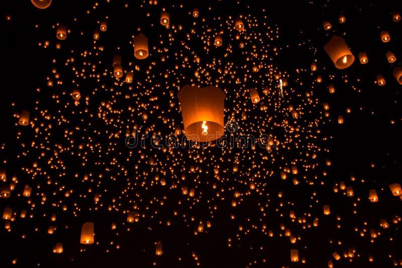 Lanternes de ciel, lanternes volantes photographie stock libre de droits