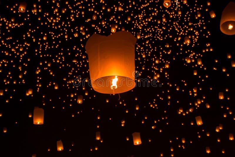 Lanternes de ciel, lanternes volantes photos libres de droits