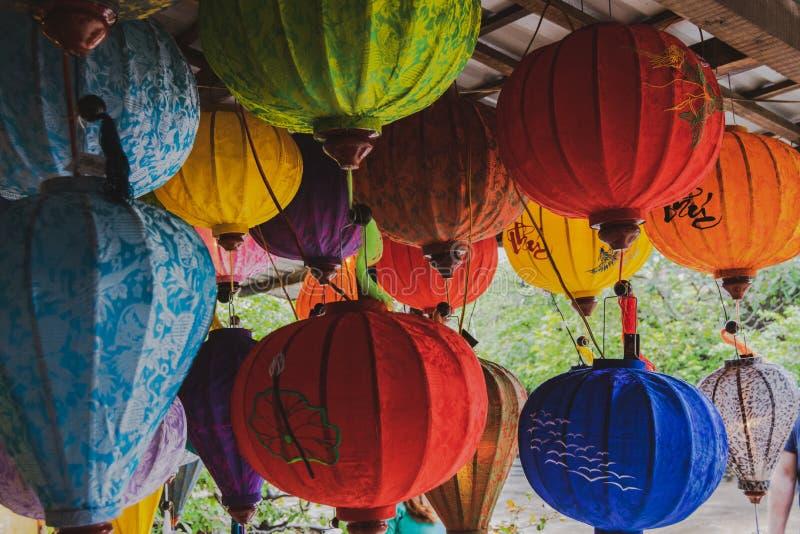 Lanternes en soie asiatiques Lanternes en soie traditionnelles du Vietnam, Hoi An images stock