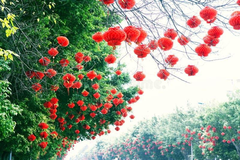 Lanternes rouges pendant l'année neuve chinoise image libre de droits