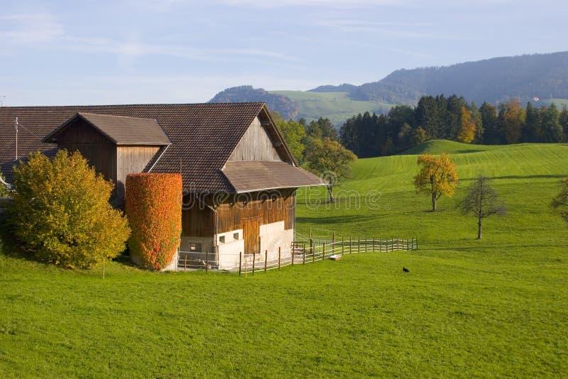 lantgård mig schweizare arkivbilder