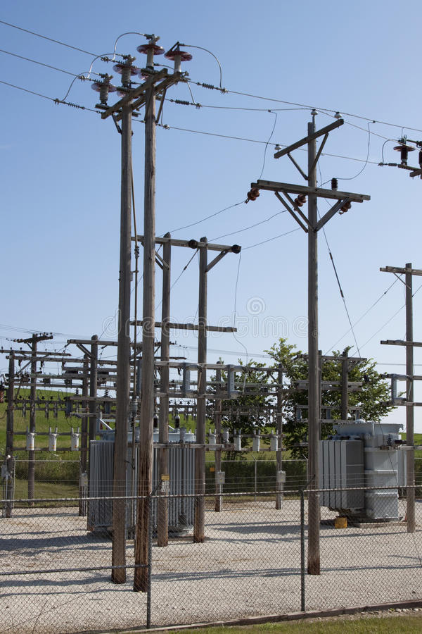 lantlig avdelningskontor för elektrisk ström arkivfoton