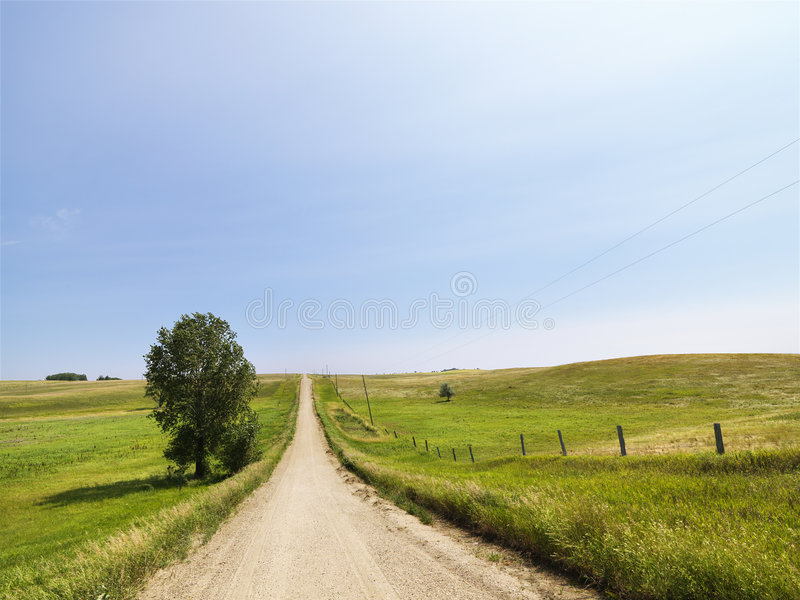lantlig landsväg arkivbild