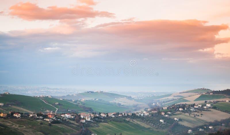 lantlig liggande Landskap av Fermo, Italien royaltyfri fotografi