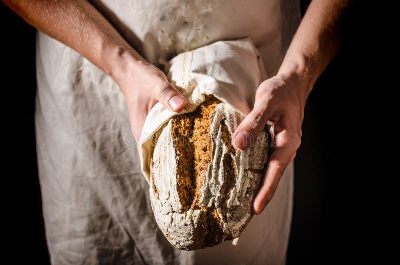 Lantlig sourdough för hemlagat bröd royaltyfria foton