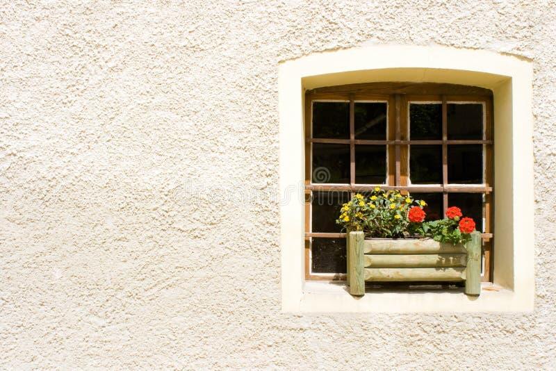 lantligt fönster arkivbild
