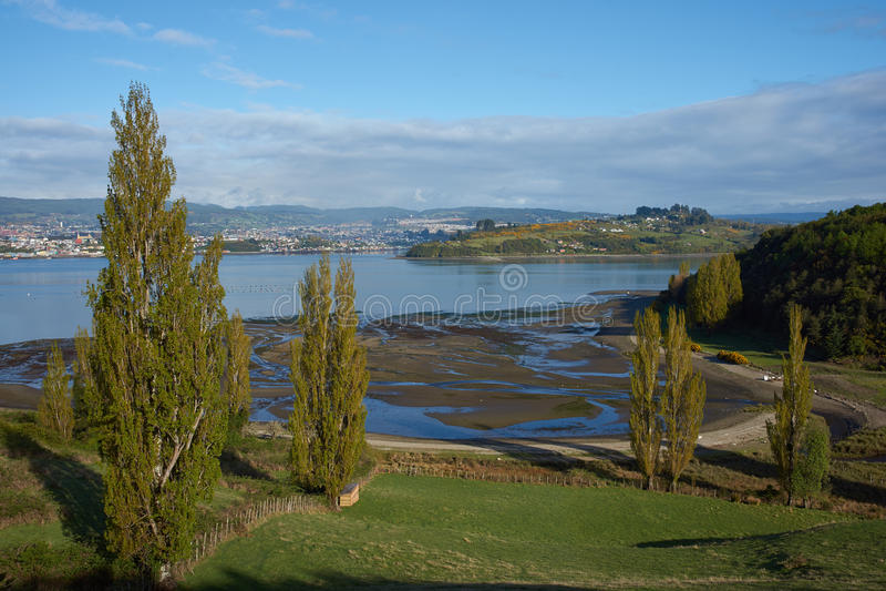 Lantligt landskap av Chiloe fotografering för bildbyråer