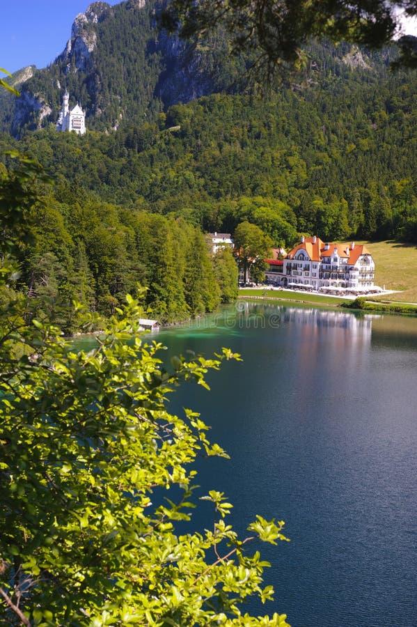 Lantligt landskap för panorama i Bayern arkivfoton