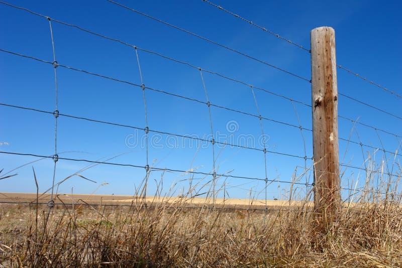 lantligt staket arkivbild