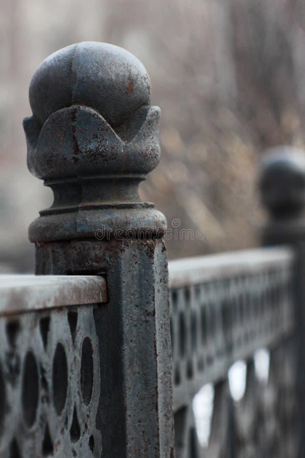 Lany żelaza ogrodzenia antyk obrazy stock