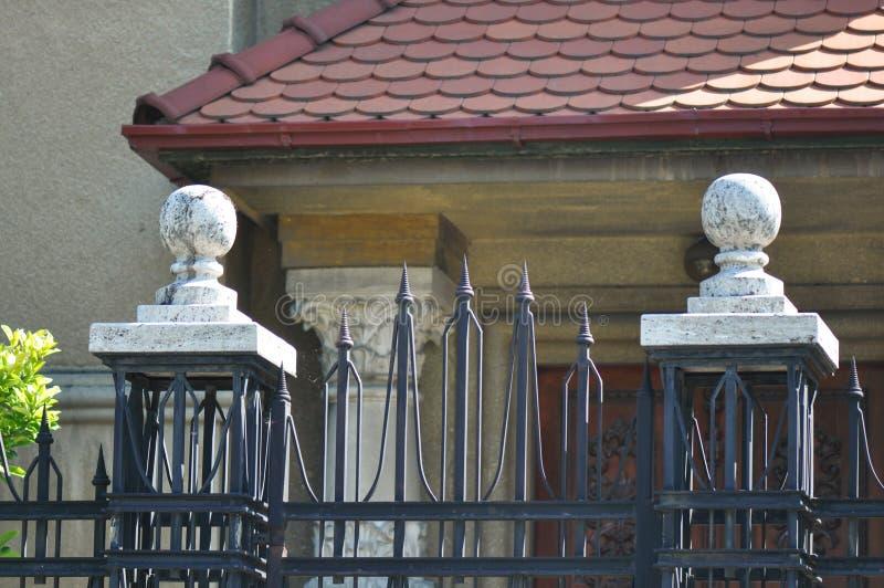 lany ogrodzenia żelaza wzór bezszwowy obrazy royalty free