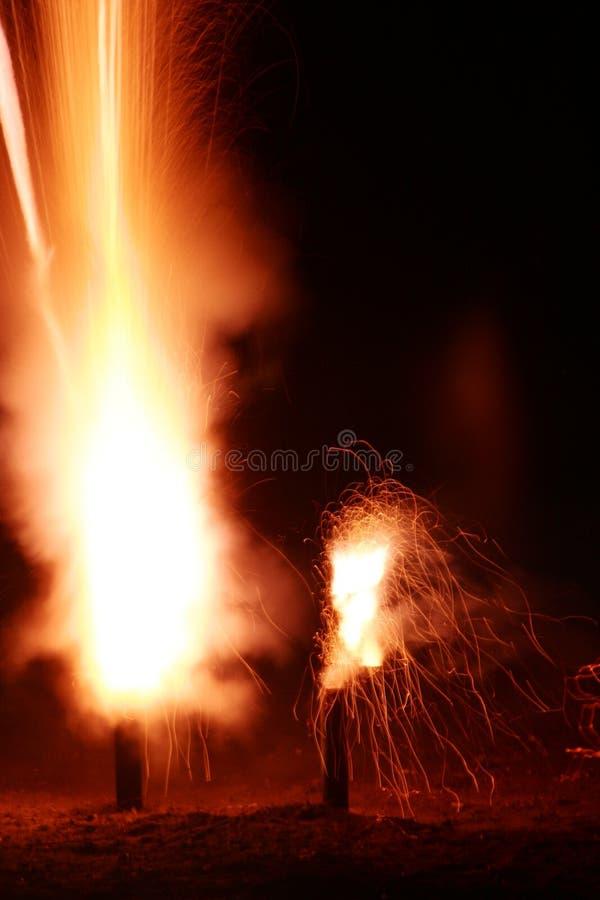 Lanzamiento de los fuegos artificiales imágenes de archivo libres de regalías