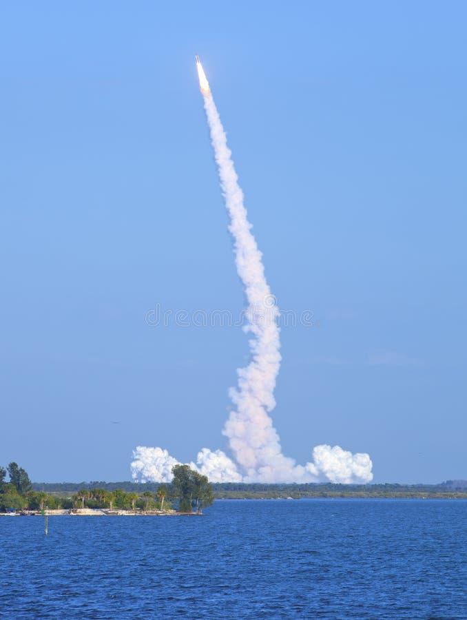 Lanzamiento de Rocket fotografía de archivo libre de regalías
