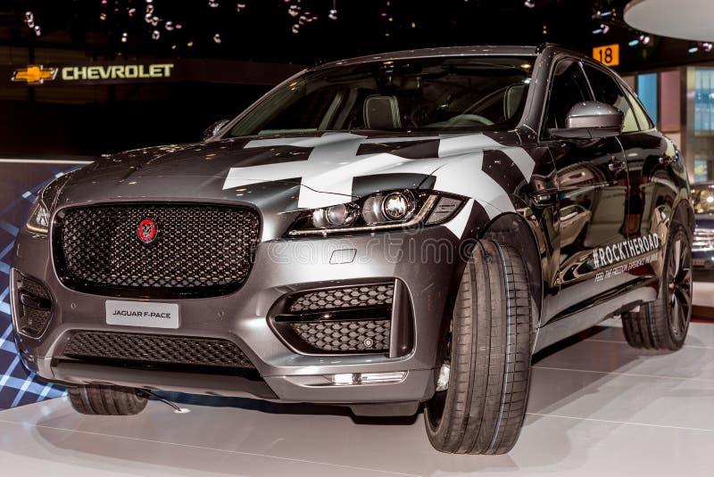 Lanzamiento del F-paso en el soporte de Jaguar en el salón del automóvil del International de Ginebra imágenes de archivo libres de regalías