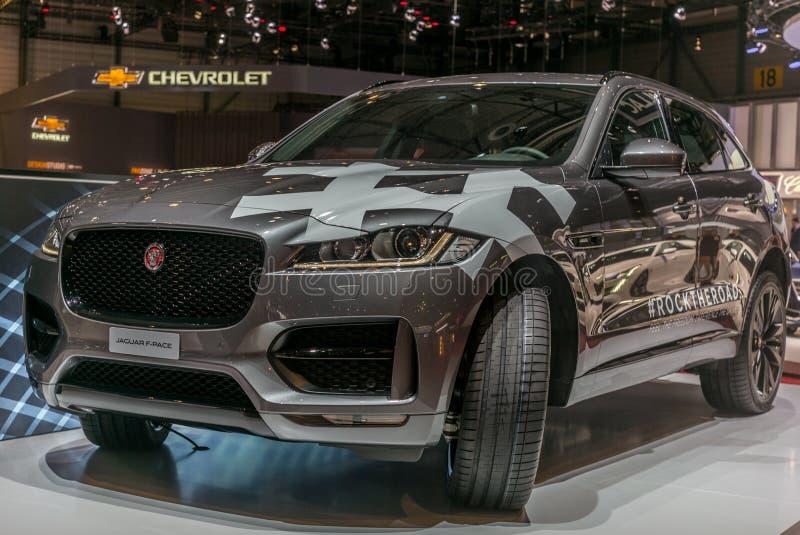 Lanzamiento del F-paso en el soporte de Jaguar en el salón del automóvil del International de Ginebra fotografía de archivo libre de regalías