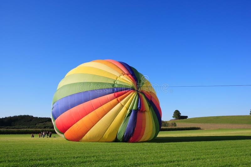 Lanzamiento del globo del aire caliente foto de archivo libre de regalías