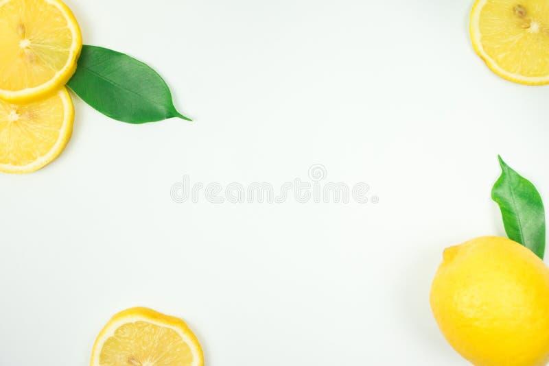 lanzamientos Limón-frescos en el estudio foto de archivo