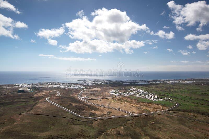 Lanzarote- - Arial-Ansicht von Costa Teguise lizenzfreies stockbild
