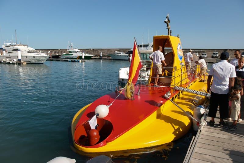 LANZAROTE, CANARINO ISLANDS/SPAIN - 10 AGOSTO: Sottomarino giallo o fotografia stock libera da diritti